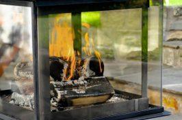Legend glass cube outdoor fireplace